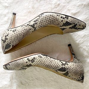 NEW Cole Haan Snakeskin grey Leather Pumps 8